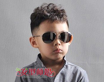 最潮流好看的 小男孩发型潮爸潮妈们赶快为自家的宝贝选择一款吧!图片