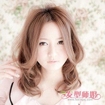 大脸中分卷发发型 适合大脸中长卷发发型图片 发型师姐图片
