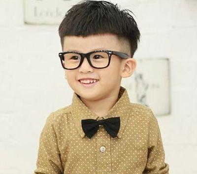 虚四岁的小男生弄什么发型好看 四岁男孩发型照片图片