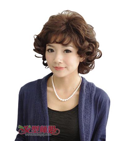 >> 老年超短发烫发发型 中老年女性短发烫发发型  中老年女士久经岁月图片