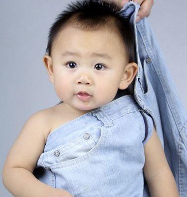 十个月男宝宝发型图 当前最流行的短发男宝宝发型图 3