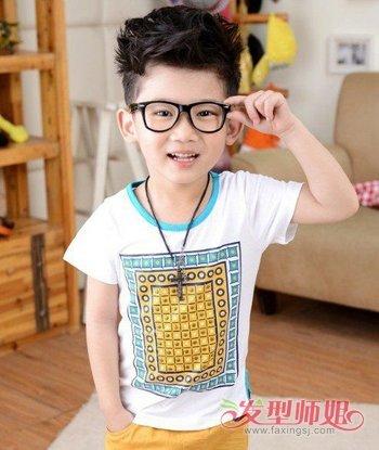 发型设计 儿童发型 >> 三岁男宝宝剪什么发型 三岁男童发型图片(3)  2图片