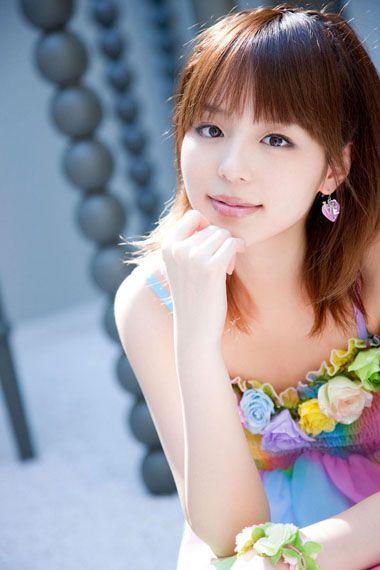 方形脸斜刘海中长发编发-方形脸中等个子女生适合什么发型 方形脸中