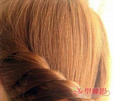 发型diy 编发 >> 学生编头发的方法图解