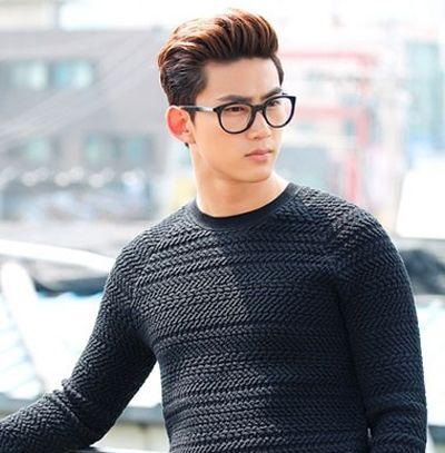 男生什么发型配眼镜_男生黑框眼镜适合什么发型 眼镜男士发型(3)_发型师姐