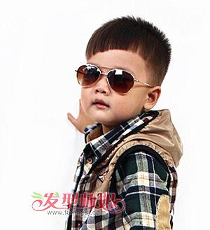 小男孩最适合的发型 小男孩毛寸发型图片(2)图片