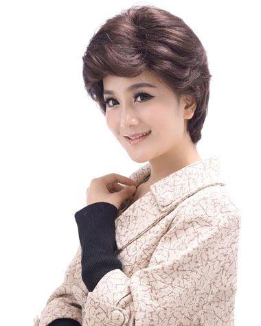中年圆脸短发发型图片 中年女士适合的减龄短发(3)图片