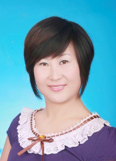 中年圆脸短发发型图片 中年女士适合的减龄短发(4)图片