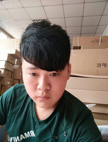 男生卷发适合什么发型 男生自来卷发型(3)图片