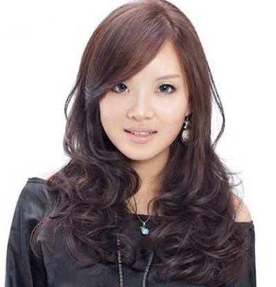 脸宽适合什么发型或刘海 脸宽腮帮子宽适合什么发型图片