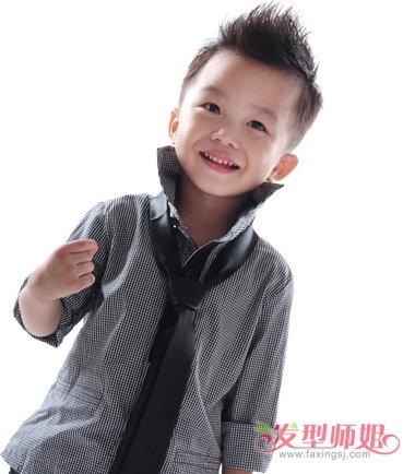2017最帅的小男孩发型 韩国小男孩发型(2)图片