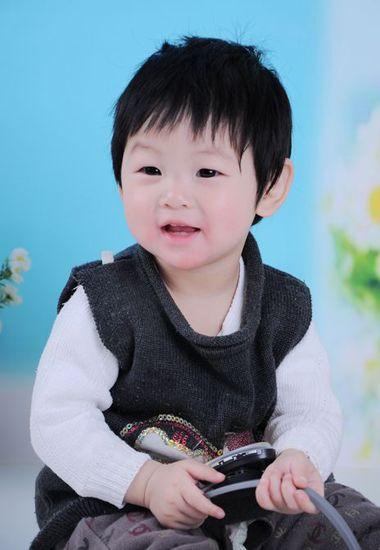 2岁女宝宝碎刘海短发波波头发型图片