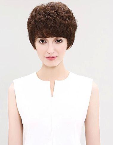 中老年长脸适合什么发型 中老年人长脸适合的短发发型图片