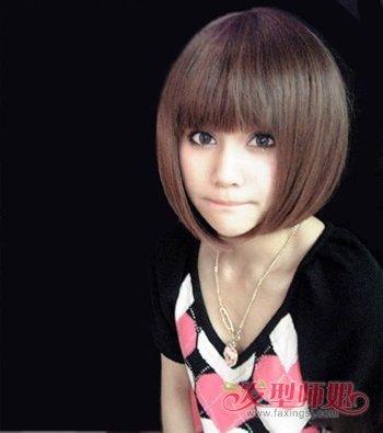 大脸学生沙宣短发发型图片 女学生短发型设计脸型搭配图片