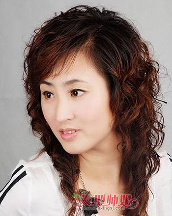 中老年妇女烫发发型图片 老年发型设计与脸型搭配