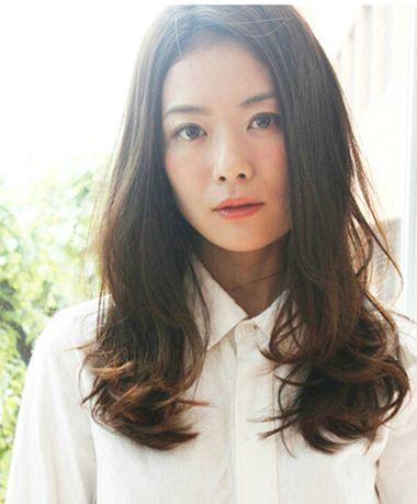 圆脸长发适合什么卷发 圆脸长头发适合的卷发(2)图片