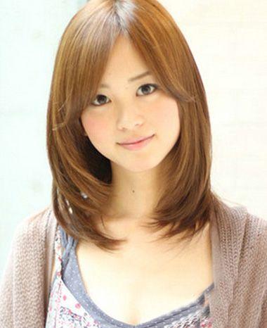 40岁女人发型图片_40岁方脸冬天适合的中长发型图 40岁方脸女人发型设计(3)_发型师姐