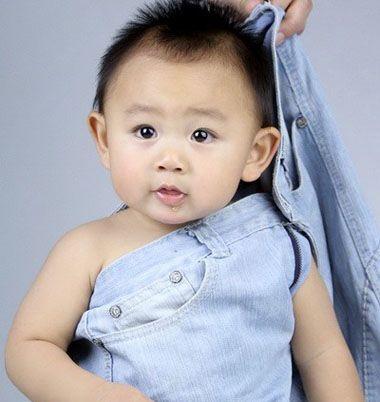 一百天的宝宝也只有三个月大图片