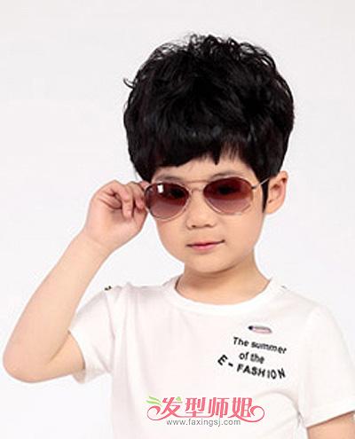 五岁小男孩超时尚蓬松短发发型-四五岁男孩理什么发型比较酷 五岁男