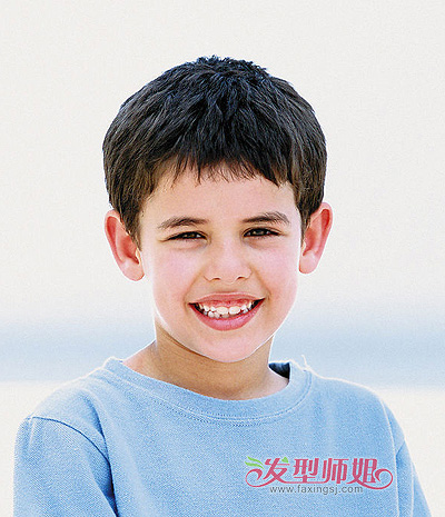 三岁男宝宝发型 三岁小男孩夏季图片
