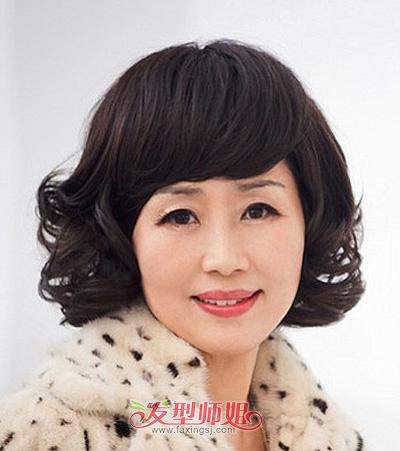 中老年人烫发发型_中老年短卷发发型 中老年人卷发发型_发型师姐