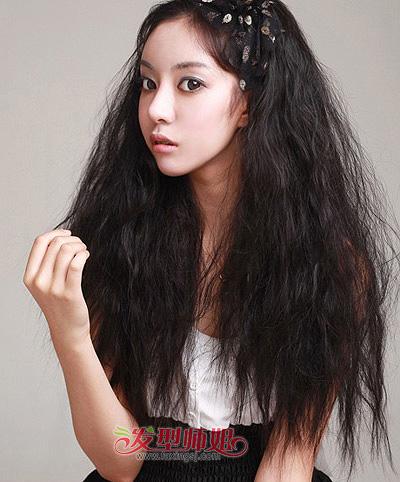 小脸女生超蓬松小卷烫发-2015年最新小脸发型 小脸女生适合的的发型