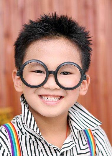 小男孩子发型图片