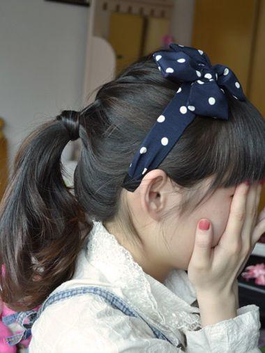 学生发型扎马尾步骤 简单学生马尾发型步骤