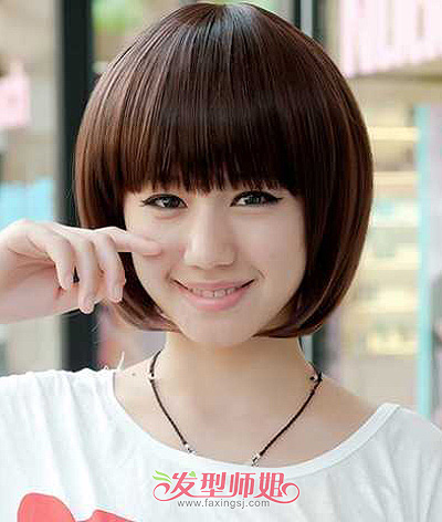 打造御姐范时尚形象,不过这款方脸女生齐刘海短发波波头造型,看起来也图片