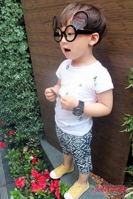 活泼可爱的男宝宝发型设计 两岁男宝宝发型图片(4)图片