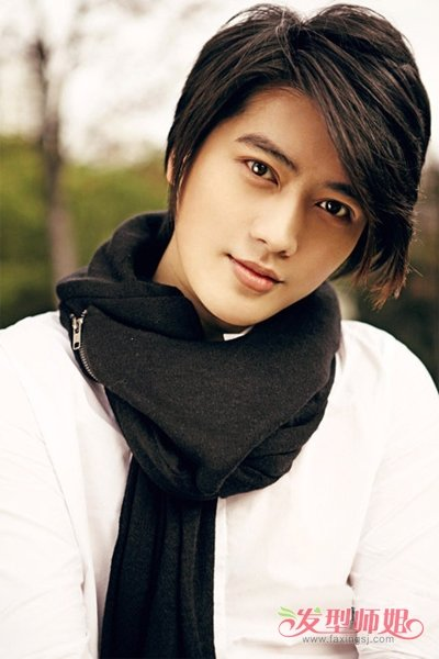 男生中等长发发型 男生中长发厚刘海发型图片(4)图片