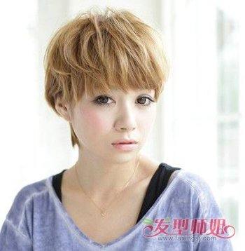 时尚 短发蛋卷烫 波波头发型适合大脸的女孩吗?图片