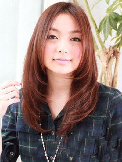 圆脸女生中分刘海内扣卷烫发型-圆脸适合的大卷烫发图片 圆脸女生烫图片