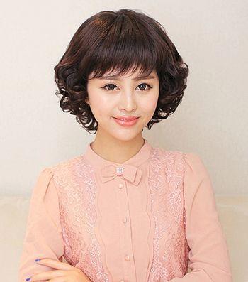 中年妇女小卷烫_脸小的中老年人适合烫什么发型 中老年发型设计与脸型搭配(3 ...
