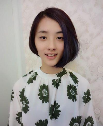 2015女学生短发发型 显脸瘦的短发发型设计图片