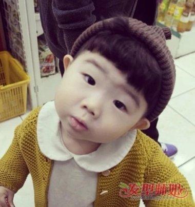 男宝宝光头后面留小辫子发型