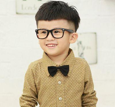 发型设计 儿童发型 >> 小男孩子头发样式 小男孩蘑菇头发怎么剪  活泼图片