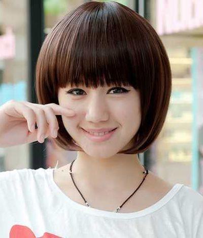 脸大的女生适合什么样的中短发直发发型 适合大方脸女生的短直发发型图片 发型师姐图片