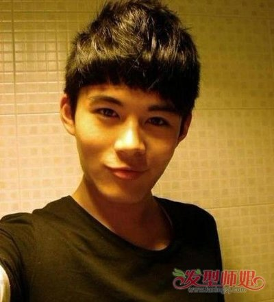 男生头大脸大适合什么发型 (400x441)-瓜子头发型图片男短发图片
