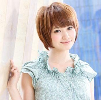 圆脸适合的学生发型图片 圆脸学生不烫的短发发型(4)图片