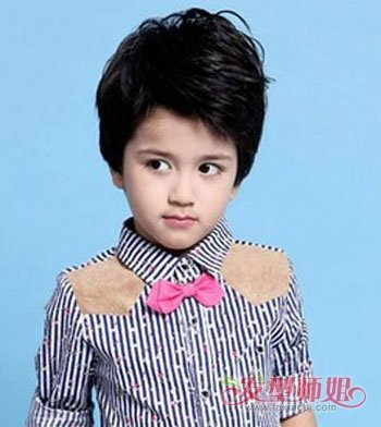 男孩子六岁适合什么样的发型 六岁男孩的帅气发型 发型师姐