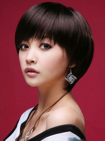 圆脸短发发型好看吗 适合30岁圆脸女士的短发发型图片图片