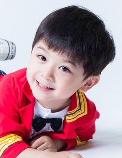 小男孩三岁超短发型 三岁小男孩发型图片