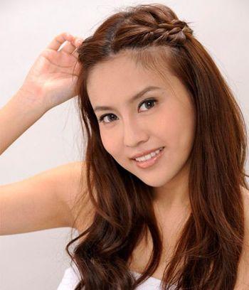 简单扎辫子发型 中分有小辫子的发型图片(3)图片