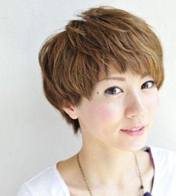 中年妇女适合什么发型颜色 中年女性适合的染发发型图片(2)图片