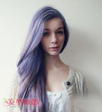 冬天烫卷发染什么颜色的头发好看 今年最流行的卷发型图片
