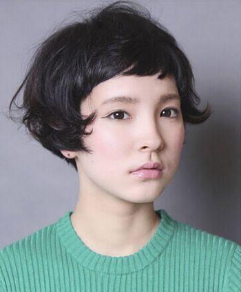 女生波波头毛边短发发型 皮卡路短发波波头发型图片图片