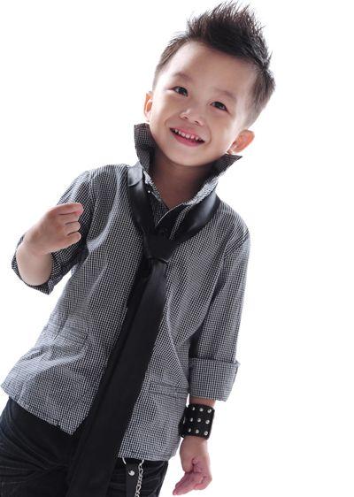 3岁小男孩最适合的发型 3岁男童发型图片 发型师姐