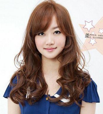 陶瓷烫上杠视频_陶瓷烫大卷怎么打理 陶瓷烫卷发发型图片(4)_发型师姐
