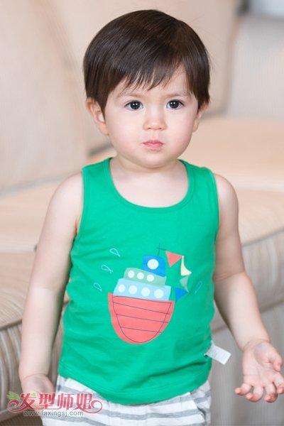 发型设计 儿童发型 >> 17年三岁男孩流行发型 三岁男孩的发型图片(2)图片